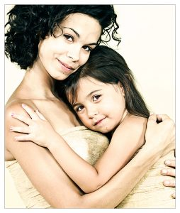 mother_and_daughter_by_sandramesrine